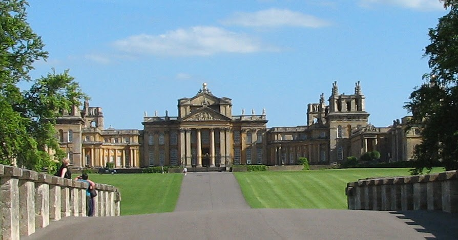 Historical hussies britain 39 s top 10 stately homes for Blenheim builders