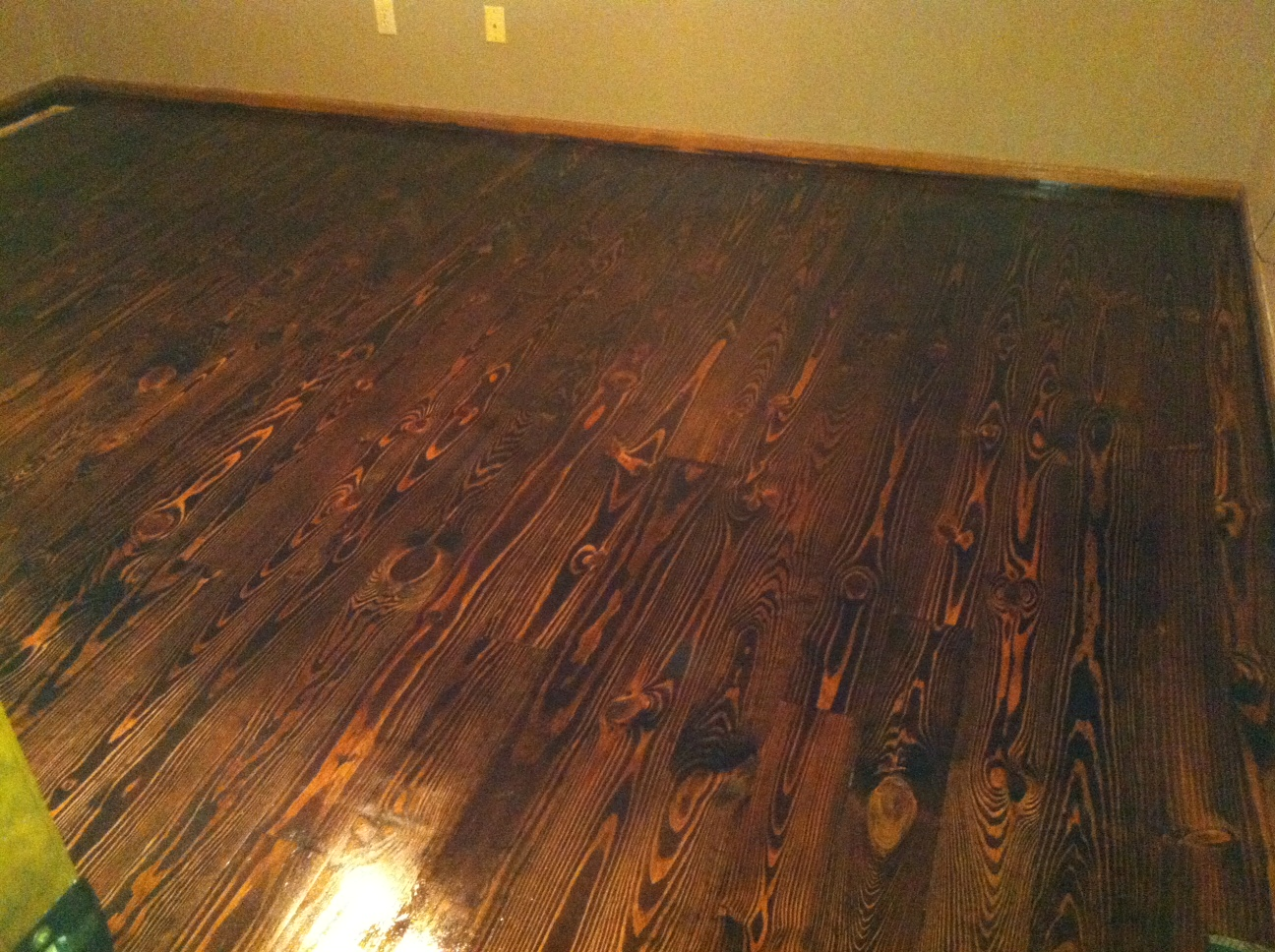 Blue ridge surplus knotty pine flooring part 2 finished for Pine floors stained dark