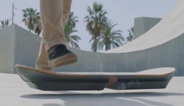 Slide, hoverboard atau papan terbang buatan Lexus