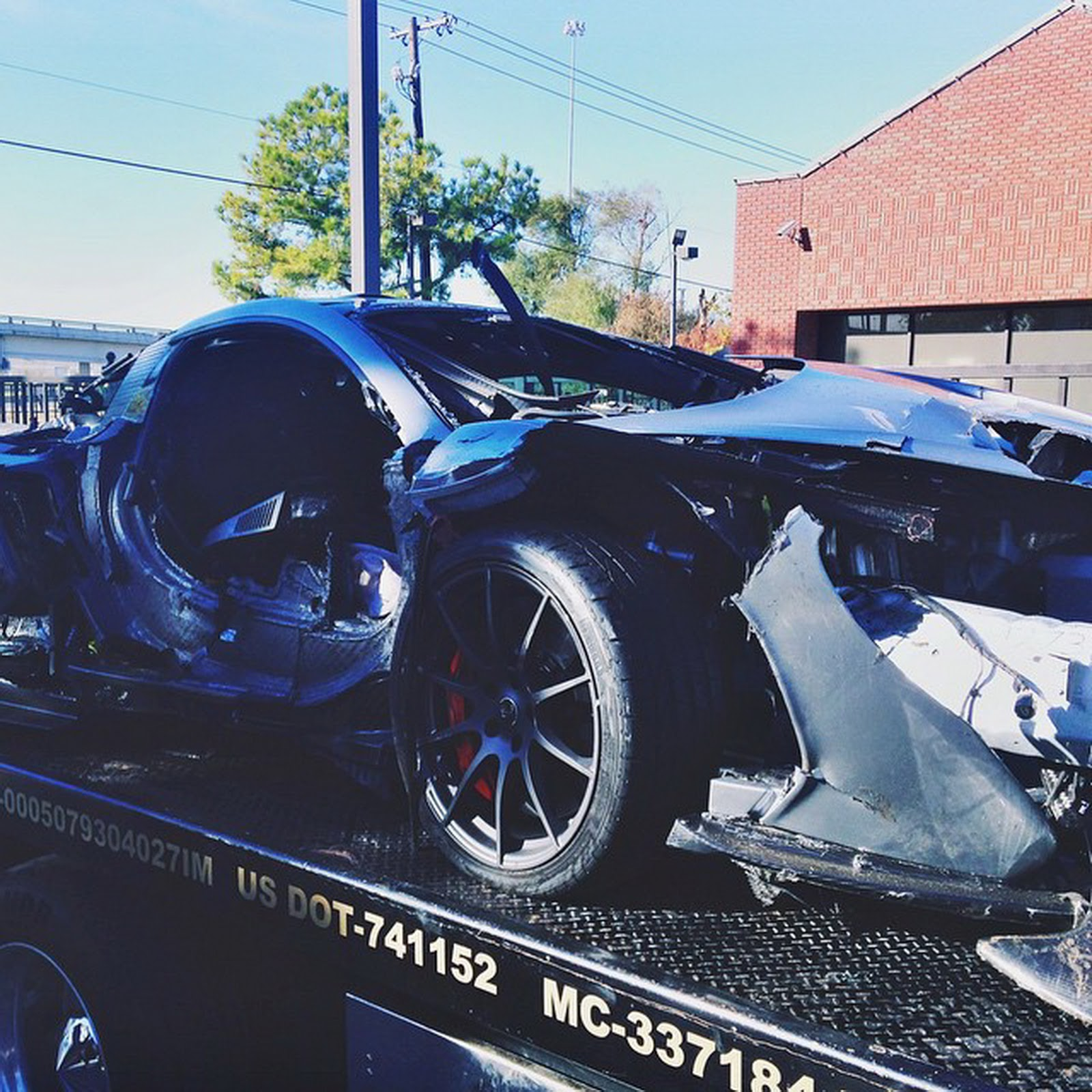 A 1 15 Million Mclaren P1 Just Crashed In Dallas Texas