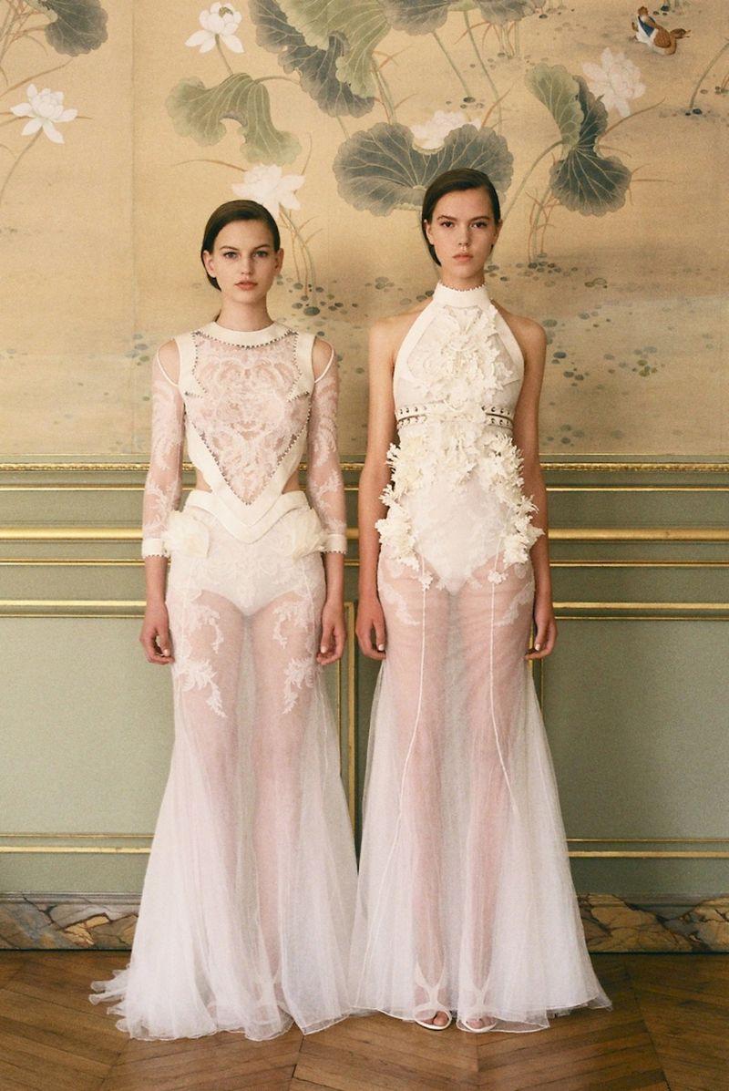 Tatitati style the art of fashion givenchy haute for Haute couture shopping