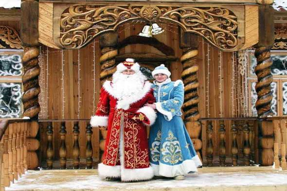 Belarusian_Father_Frost_and_Snow_Maiden