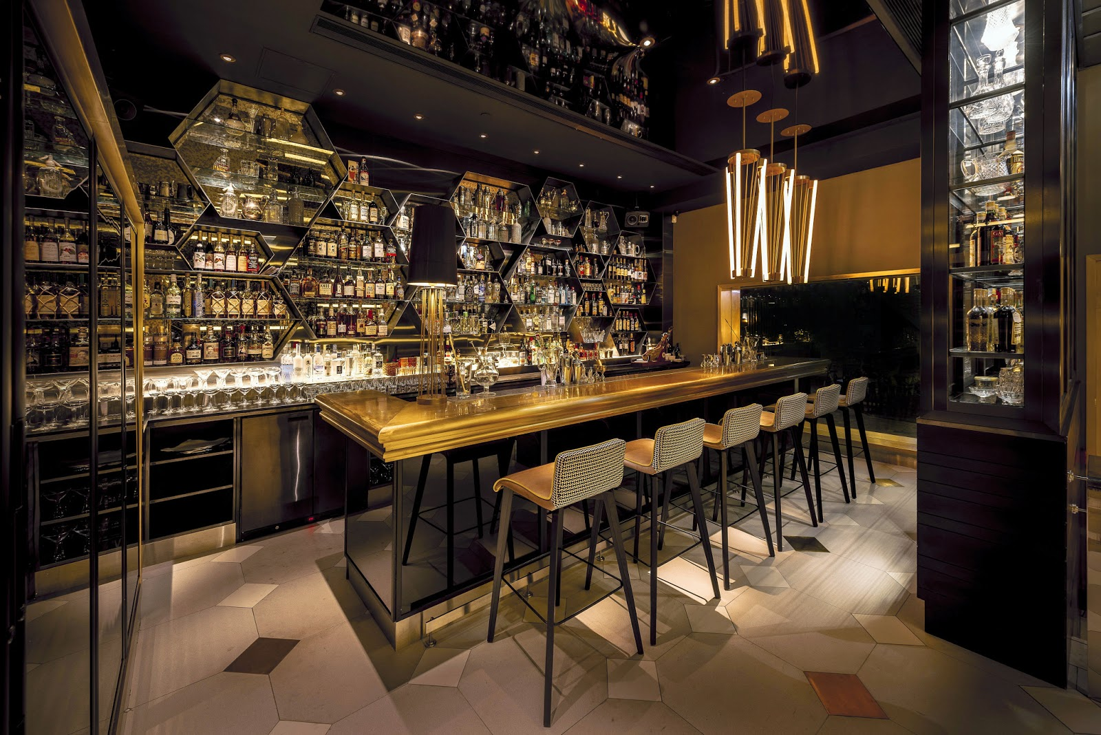 IL MILIONE Italian Bar and Restaurant Central Hong Kong – Hungry ...