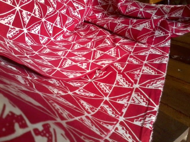 Batik Bermotif KAIN BATIK WARNA CERAH
