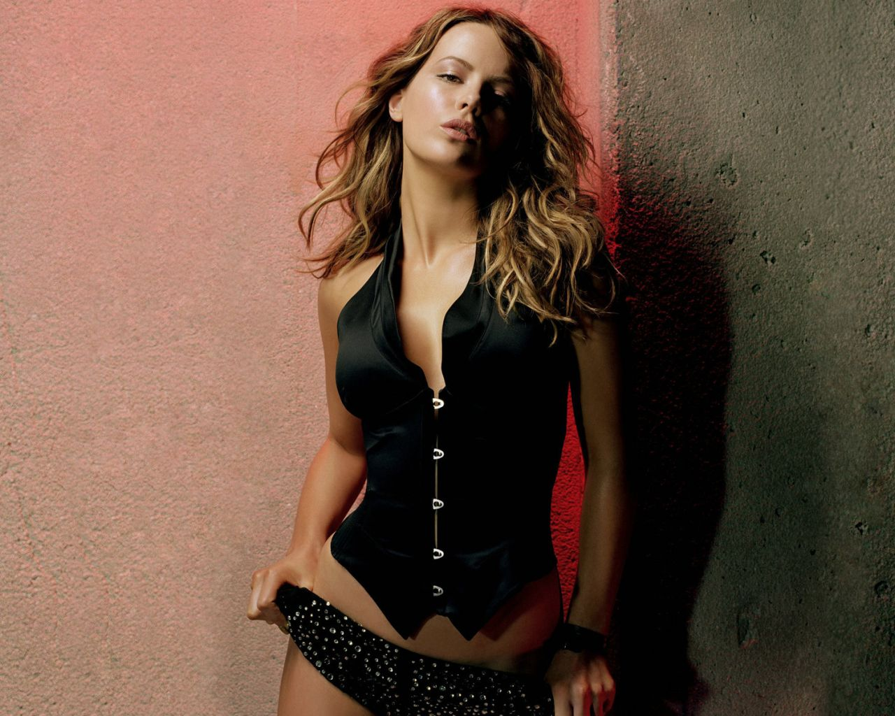http://3.bp.blogspot.com/-dFFe40982h0/TeyV8Hw2dPI/AAAAAAAABPk/YUbsXdhletU/s1600/kate-beckinsale-wallpaper-hq.jpg