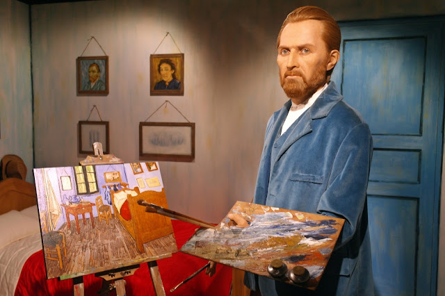 Vincent van Gogh and his artwork 'Bedroom in Arles.' | www.meheartseoul.blogspot.com