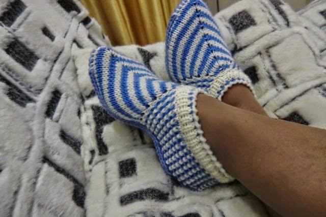 Вяжем следки носки тапочки спицами