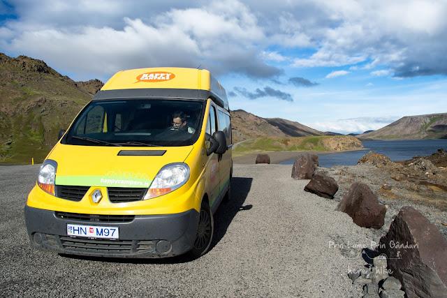honeymoon-iceland-reykjanes-peninsula-Kleifarvatn