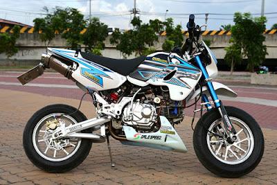 Kawasaki KSR 110_02.jpg