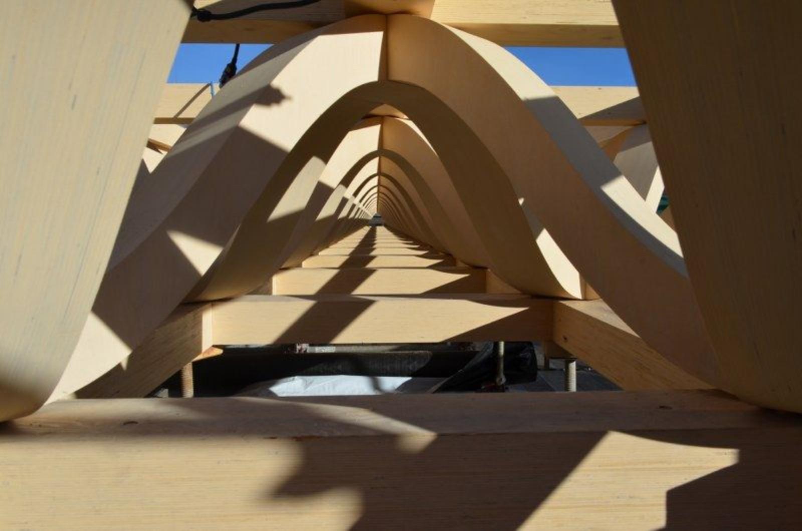 09-Aspen-Art-Museum por Shigeru Ban---junto abierto-verano