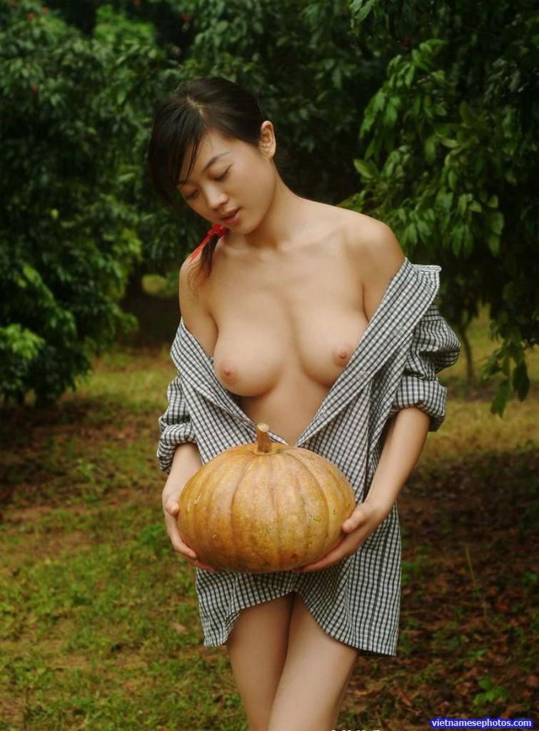 Beautiful nude girl vietnamese foto 447