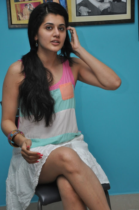 tapsee new unseen pics