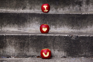O amor possui mil maneiras de ajudar as pessoas. Conheça-as.