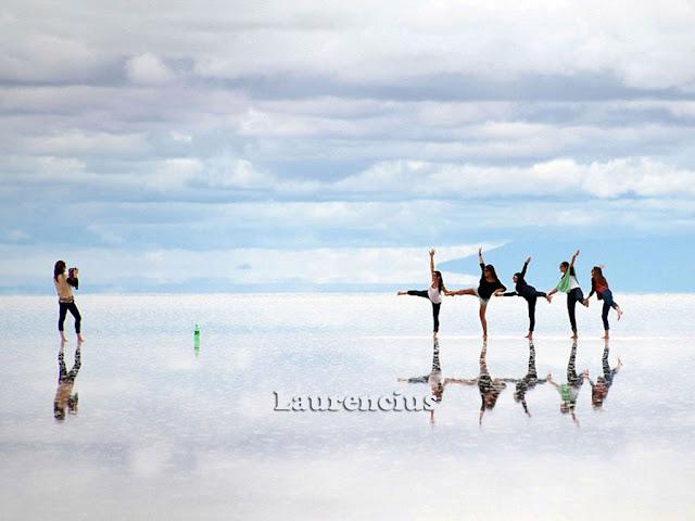 Foto-Salar-de-Uyuni-Cermin-Alam-Terbesar-Bolivia_14
