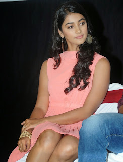 Actress Pooja Hegde Pictures in Short Dress at Oka Laila Kosam Prerelease Press Meet  87