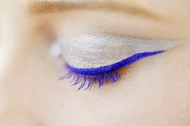 Tendance eye liner bleu majorelle