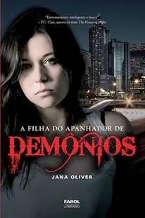 A FILHA DO APANHADOR DE DEMÔNIOS