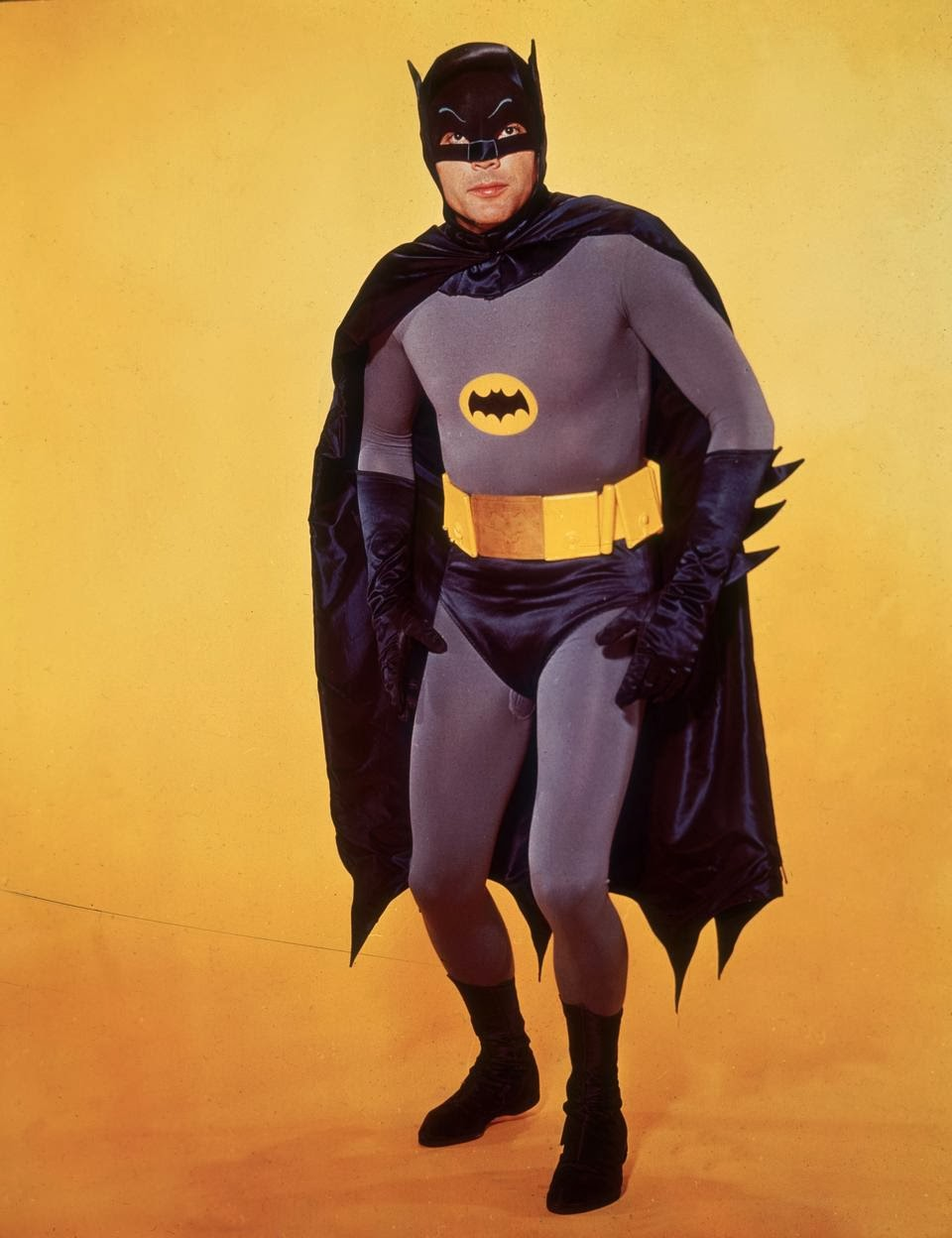 Cheap diy 1966 adam west style batman costume instructions dan a couple years ago i decided i wanted to be the batman of my childhood for halloween this time which for me was the syndicated 1966 batman starring adam solutioingenieria Image collections