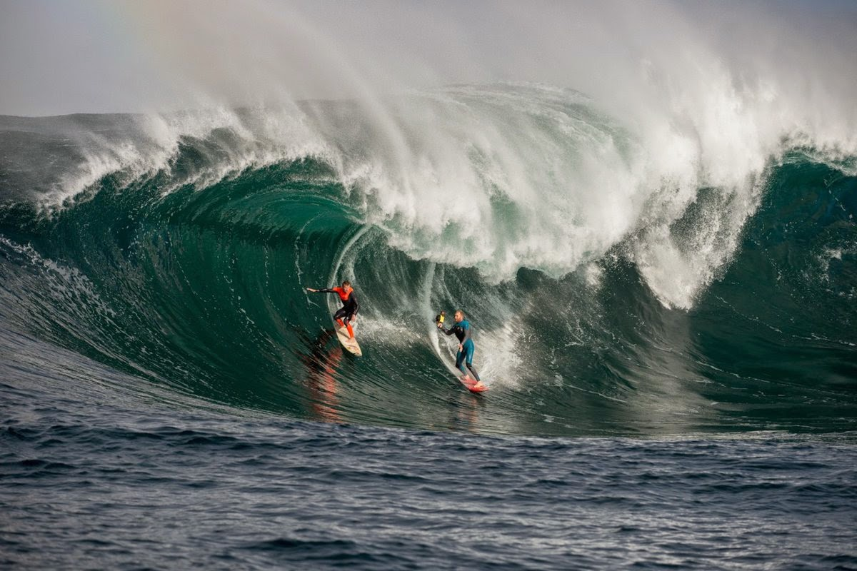 taj burrow and mark mathews win surf photography