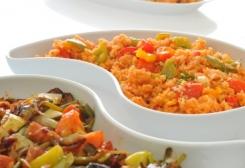 طريقة عمل أرز أحمر بالفلفل الالوان