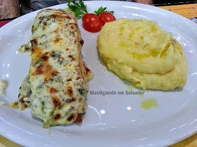 La Lupa Restaurante: Salmão ao Molho de Espinafre