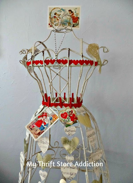Queen of Hearts Dress Form