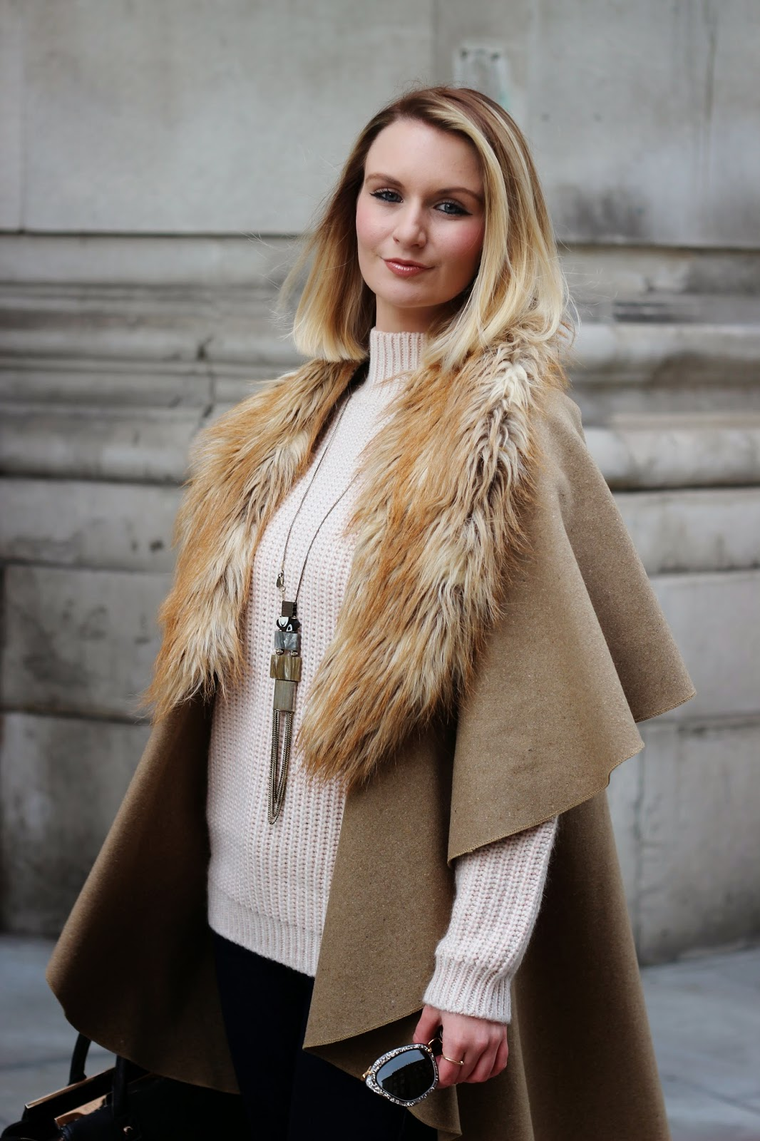 London fashion week aw15 street style, LFW AW15, LFW15, street style, seventies trend, seventies styling, 70's, OOTD, fashion blogger, stylist, somerset house, flared jeans, red hot sunglasses