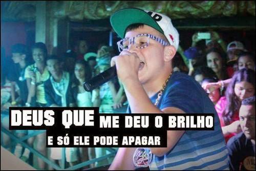 MC GUI - SUA HISTÓRIA - EMOCIONADO CANTA AO VIVO !! - YouTube