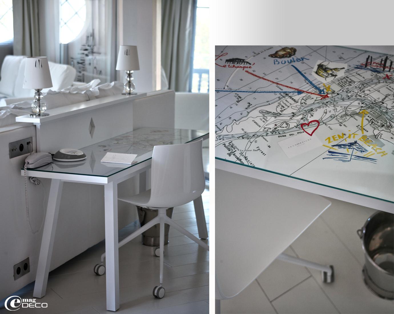 Ingénieuse tête de lit immaginée par Philippe Starck pour La Co(o)rniche