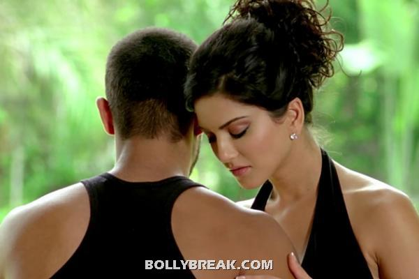 Sunny Leone and Randeep Hooda hot photo -  Sunny leone Jism 2- Brand new photos