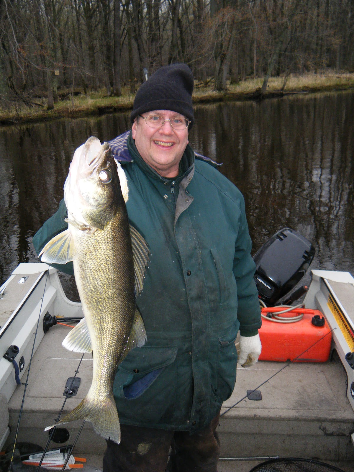 Wisconsin fishing reports wolf river walleyes heading home for Best fishing in wisconsin