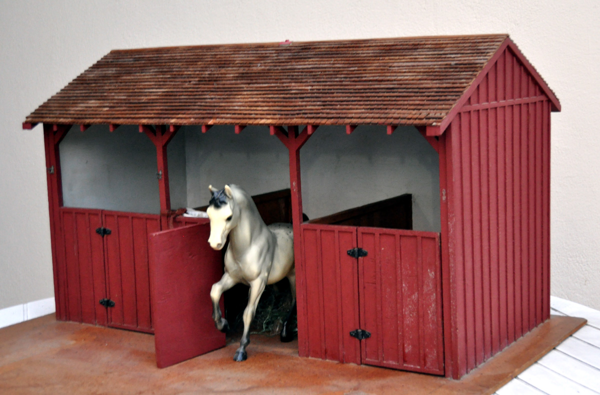 Model horse barns on pinterest horse stables breyer for How to build horse barn