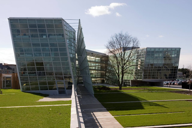 02-Áras-Chill-Dara-by-Heneghan-Peng-architects