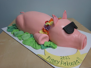 pig cake with sunglasses