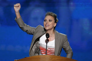 Scarlett Johansson, other Hollywood stars sparkle at DNC