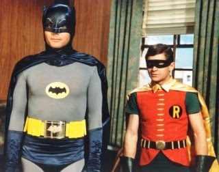 75 Aniversario traje batman 1966 Adam West y Robin