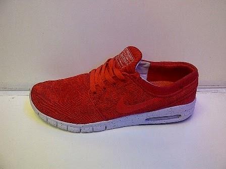 Sepatu Nike Running Stefan Janoski Red