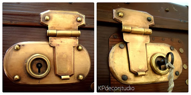 Maleta antigua vintage con cerraduras de latón y bronce