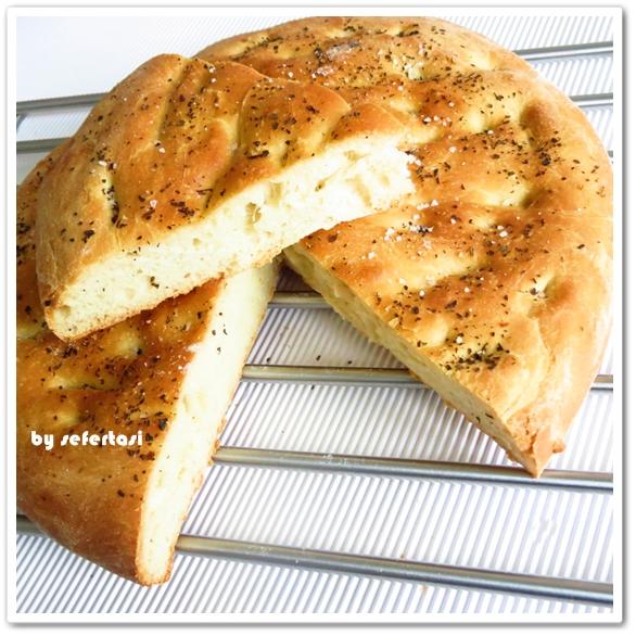 FOCACCİA (İtalyan yassı ekmeği)