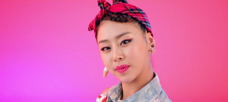 I cry like Yuko Oshima: Kpop: Lip Service (립서비스)