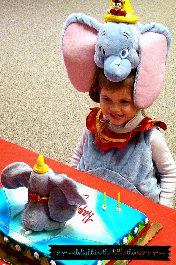 Carnival Birthday Party | delightinthelittlethings.com
