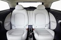 Mini Cooper Paceman interior back