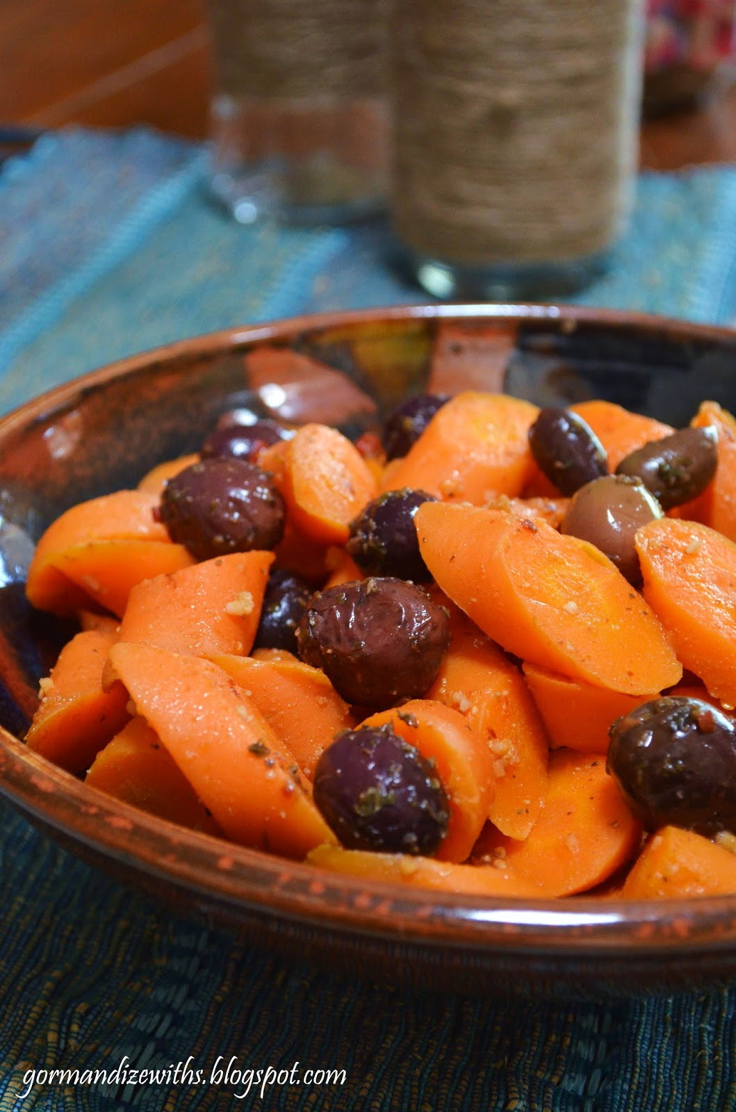 Gormandize: Tunisian Cooked Carrot & Olive Salad