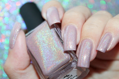 """Swatch of the nail polish """"Forgotten Paths"""" from Chaos & Crocodiles"""