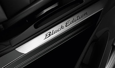 Porsche-Cayman-S-Black-Edition-10-HP-Door-Slogan