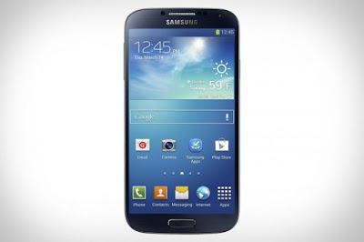 En un reciente informe interno, Samsung analizó su nuevo Galaxy S4 en relación a otros smartphones de gama alta que recién han llegado al mercado y consideró que su dispositivo es magnífico pero no es el mejor. Desde su presentación, el Galaxy S4 recibió excelentes críticas por parte de la gran mayoría de los sitios especializados, aunque tal vez la mayor crítica haya sido la utilización de un diseño prácticamente igual al del Galaxy S3 y de la carcasa plástica, una crítica ya clásica en todos los Galaxy. Si bien Samsung no aclara contra qué dispositivos comparó el Galaxy S4,