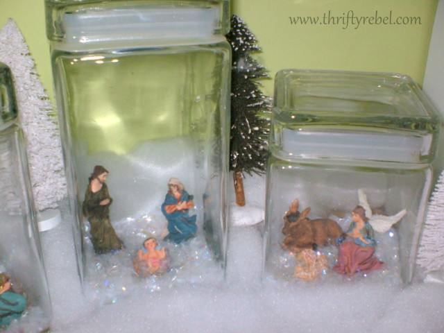 mini-Nativity-set-display