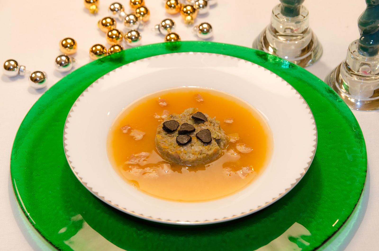 consome-sopa-verduras-trufa-foie-micuit-recetas-cocina-faciles-ligeras-sanas-saludables-adelgazar-bruja