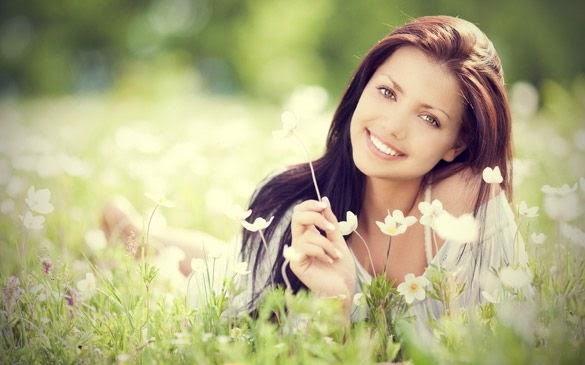 4 manfaat wanita tidak suka makeup tebal