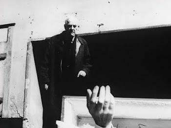 El hombre sin identidad postmoderno: atrapado por su propio cadáver
